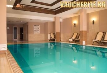 """Нощувка със закуска, вечеря и ползване на СПА с отопляем вътрешен басейн от хотел """"Мария Антоанета Резиденс"""", Банско"""