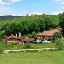 Хотелски комплекс Ливадите, до Пазарджик
