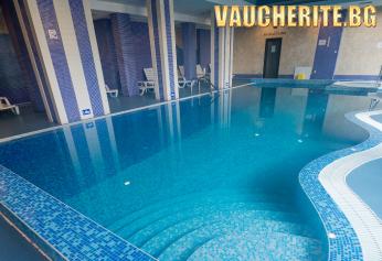"""Нощувка със закуска и вечеря + ползване на закрит плувен басейн, сауна, парна баня и джакузи от хотел """"Родопски Дом"""", Чепеларе"""
