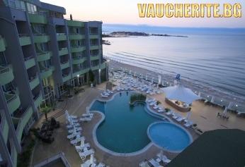 На море в Несебър! Ultra All Inclusive + 1 чадър и 2 шезлонга на плажа на помещение, външен басейн с детска секция, вътрешен плувен басейн от Хотел МПМ Арсена