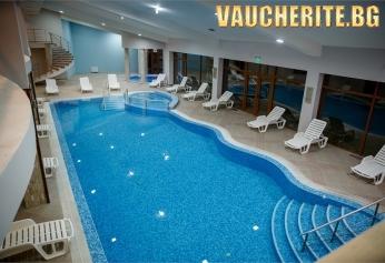 Нощувка със закуска, обяд и вечеря + ползване на просторен СПА център и вътрешен отопляем басейн със секция джакузи от хотел Панорама Ризорт, Банско
