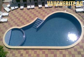Нощувка със закуска + ползване на басейн с чадър и шезлонг от хотел Пешев, Несебър
