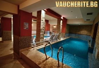 """Нощувка със закуска + ползване на басейн с МИНЕРАЛНА ВОДА, сауна, парна баня, джакузи и зона за релакс от хотел """"Клептуза"""", Велинград"""