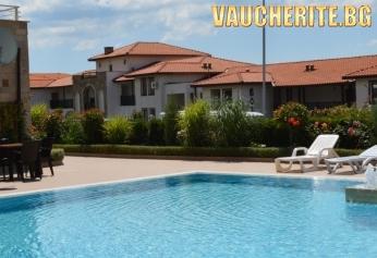 Нощувка със закуска или закуска и вечеря + ползване на външен басейн от хотел Александра, Свети Влас