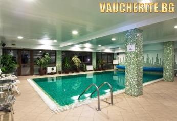 Септемврийски празници в Старозагорски минерални бани! 2 или 3 нощувки със закуски и празнична вечеря + ползване на ползване на басейн, сауна, парна баня от хотел Извор