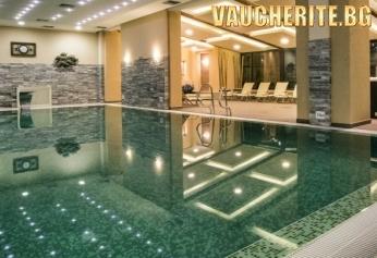 Нощувка със закуска и вечеря + ползване на вътрешен и външен басейн, Le SPA и фитнес от хотел Премиер 5*, Банско