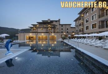"""Нощувка със закуска + ползване на открити басейни, закрити басейни и СПА от хотел """"Вела Хилс"""" , Велинград"""