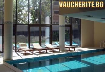 Нощувка със закуска и вечеря + ползване на вътрешен минерален басейн и СПА от хотел Аква Вива СПА, Велинград