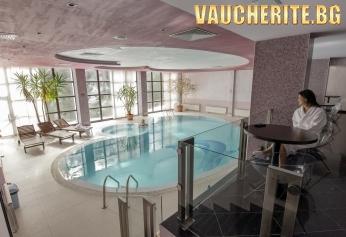 Нощувка със закуска и вечеря + ползване на вътрешен басейн, парна баня и  финландска сауна от хотел Белмонт, Пампорово