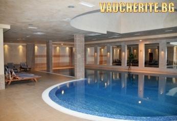 Ваканция в Боровец! 2 или 3 нощувки със закуски или закуски и вечери + ползване на басейн и СПА център от хотел Вила Парк