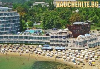 Аll inclusive + ползване на външен и вътрешен басейн, чадър и шезлонг на басейна и плажа от хотел Сириус Бийч, Св. Константин и Елена