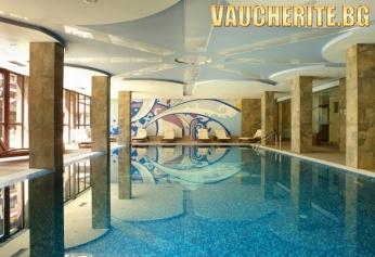 Нощувка със закуска и вечеря + ползване на отопляем закрит басейн, сауна, парна баня от хотел Уинслоу Инфинити