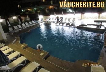 Почивка в Огняново! Нощувка + ползване на топъл басейн и две мира от хотел ''Елис''