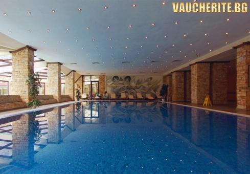 Гергьовден във Велинград! 2 или 3 нощувки със закуски и вечери (една от които празнична) + ползване на басейн с минерална вода, сауна и парна баня от хотел Свети Спас