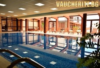 """Нощувка със закуска и вечеря + ползване на басейн и сауна от хотел """"Роял Банско"""""""