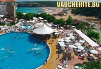 All inclusive + ползване на вътрешен и външен басейн с чадър и шезлонг от хотел Белла Виста, Синеморец