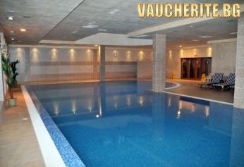 Нощувка на база All Inclusive Light + ползване на басейн и релакс център от Апартаменти за гости Вила Парк, Боровец