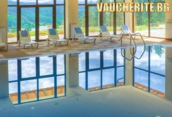 Нощувка със закуска + ползване на закрит отопляем плувен басейн и джакузи от Калина палас, Трявна