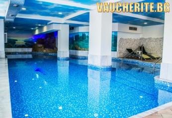 Нощувка със закуска + ползване на вътрешен и външни целогодишени минералени басейни и джакузи,  сауна и парна баня  от СПА хотел Двореца , Велинград
