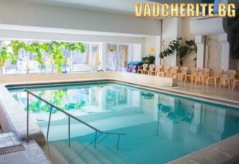 """Нощувка със закуска + ползване на външен и вътрешен басейн  с МИНЕРАЛНА ВОДА, сауна, парна баня и джакузи от хотел """"Камена"""" , Велинград"""