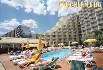 Нощувка на база All Inclusive + ползване на открит и закрит басейн, чадър и 2 шезлонга на плажа и интернет от хотел Мура, Албена