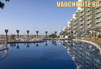 All Inclusive + ползване на открит басейн, чадър и 2 шезлонга на плажа и интернет в общите части от хотел Боряна 3*, Албена