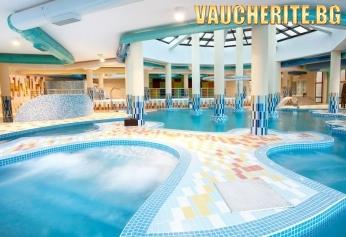 Нощувка със закуска + ползване на закрит басейн, аквапарк и СПА център от хотел Астера, Банско