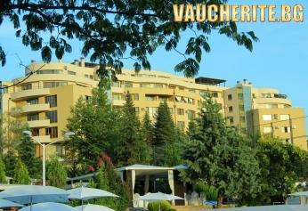 Майски празници в Сандански! 2 или 3 нощувки със закуски + ползване на паркинг от Семеен хотел Ботаника