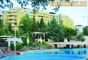 ТОП ОФЕРТА! 3 нощувки и БОНУС 1 БЕЗПЛАТНА с включени закуски + ползване на външни минерални  басейни и паркинг от Семеен хотел Ботаника, Сандански