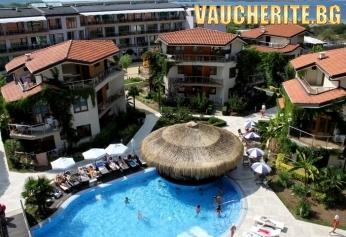 All Inclusive + ползване на външен и вътрешен басейн с джакузи, шезлонг, матрак и чадър при басейна и чадър и шезлонг на плажа от хотел Лагуна Бийч, Созопол
