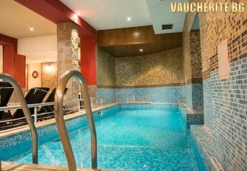 """Нощувка със закуска + ползване на басейн с МИНЕРАЛНА ВОДА, сауна, парна баня и джакузи от хотел """"Клептуза"""", Велинград"""