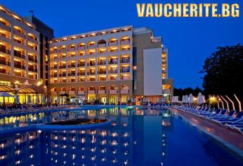 All Inclusive +ползване на вътрешен и външен басейн, Аквапарк, шезлонги и чадъри на басейните от хотел Сол Несебър Маре