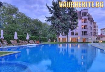 Нощувка със закуска + ползване на открит басейн и интернет от хотел Кристел, Св. св. Константин и Елена