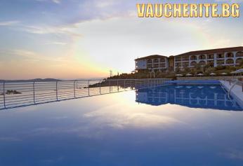 7 нощувки на база All Inclusive + ползване на басейн, чадъри и шезлонги на плажа, детски басейн и паркинг от Akrathos Hotel 4*, Халкидики