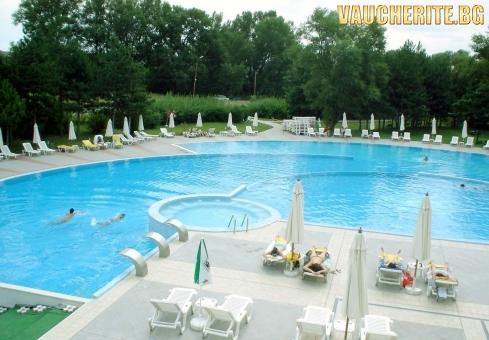 """Нощувка със закуска и вечеря + ползване на басейн с минерална вода, сауна и парна баня от хотел """"СПА Хисар"""", Хисаря"""