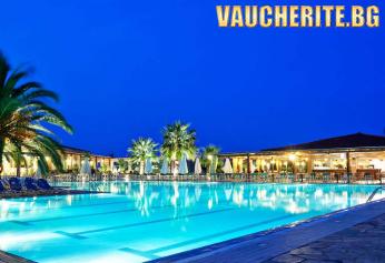 На 100м. от плажа в Пиерия! 5 нощувки със закуски и вечери + ползване на басейн, интернет, детска площадка и паркинг от хотел Poseidon Palace 4*
