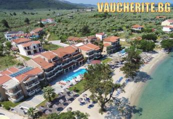 Лято на 50м. от плажа на о-в Тасос! 5 нощувки със закуски и вечери + ползване на два открити басейна, шезлонги и чадъри на плажа, детски басейн, интернет и паркинг от хотел Rachoni Beach Hotel 3*+
