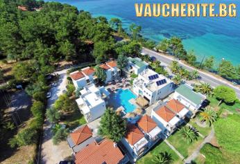Лято на 30м. от плажа! 5 нощувки със закуски + ползване на басейн, чадъри и шезлонги на плажа, паркинг и интернет от хотел Esperides Sofras Hotel & Bungalows 3*+, о-в Тасос