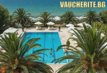 Лято на първа линия в Халкидики! 5 нощувки на база All Inclusive + ползване на открит и закрит басейн, детски басейн, чадъри и шезлонги на плажа, паркинг и интернет от хотел Kassandra Mare Hotel 3*