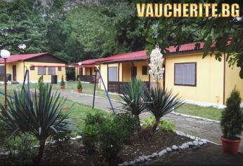 Нощувка за ДВАМА, ТРИМА ИЛИ ЧЕТИРИМА с ползване на детска площадка, интернет и паркинг от Ваканционно селище Венера, на 60м. от плажа в Царево