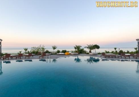 Нощувка със закуска + ползване на външен термален басейн, вътрешен акватоничен басейн и СПА център от Гранд хотел Свети Влас