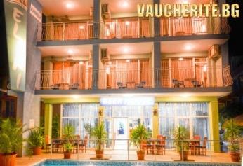 Нощувка със закуска + ползване на открит басейн с шезлонг, интернет и паркинг от хотел Елири, Равда