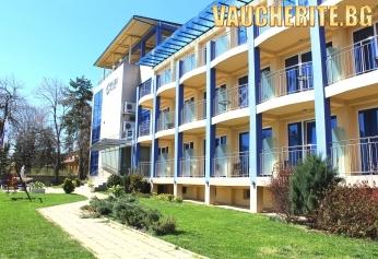 През юли в Хисаря! 3, 4 или 5 нощувки със закуски и вечери + ползване на басейн с минерална вода и релакс център от хотел Астрея