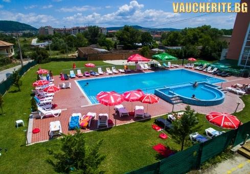 През август в Хисаря! 3, 4 или 5 нощувки със закуски и вечери + ползване на басейни с минерална вода и релакс център от хотел Астрея