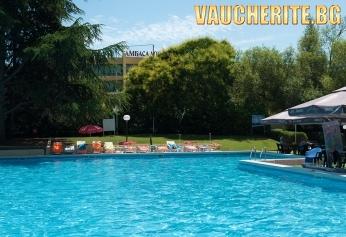 All Inclusive + ползване на басейн с чадъри и шезлонги и паркинг от хотел Амбасадор, Златни пясъци
