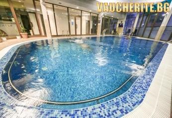 Нощувка със закуска + ползване на открит минерален басейн, закрит плувен басейн, термален басейн, сауна, парна баня, джакузи и фитнес от хотел СПА Девин