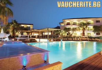 5 нощувки със закуски и вечери + ползване на басейн с прясна вода, детски басейн, анимация и паркинг от хотел Flegra Palace 4*, Халкидики - Касандра