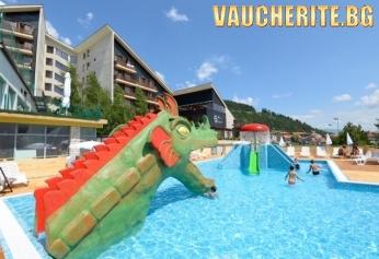 Септемврийски празници във Велинград! 3 или 4 нощувки със закуски, обеди и вечери + ползване на минерален басейн, детски аквапарк и СПА център от СПА хотел Селект