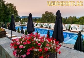 Септемврийски празници във Велинград! 2 или 3 нощувки със закуски + ползване на външен и вътрешен басейн с МИНЕРАЛНА ВОДА, сауна, парна баня и джакузи от хотел Роял СПА