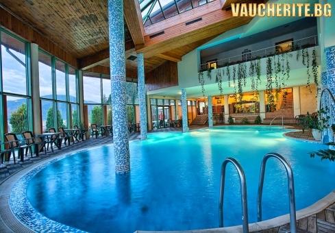 """Нощувка със закуска + ползване на вътрешен минерален басейн, джакузи и инфра - червена кабина от хотел """"Олимп"""", Велинград"""